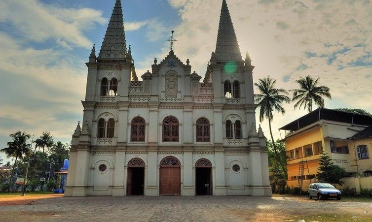 Santa Cruz Basilica, Kochi