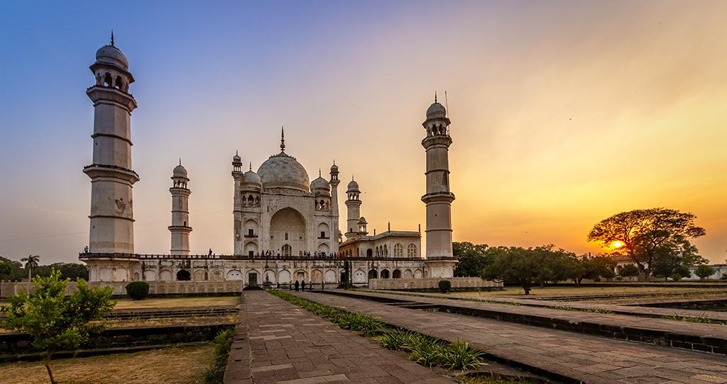 Bibi-ka-Maqbara Aurangabad