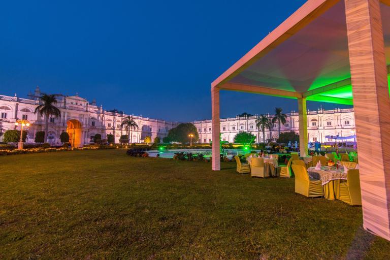 maharajas-express-palace-dinner