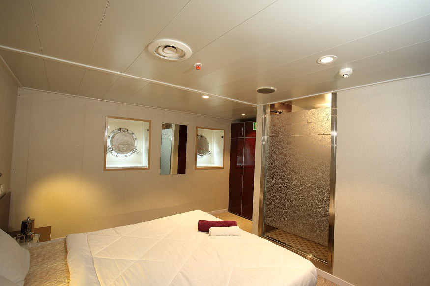 Cabins in Angriya Cruise