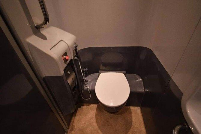 Bio Toilet Train 18