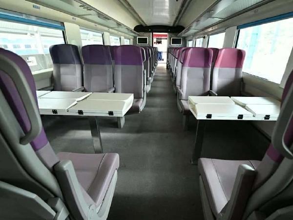 train-18-seat-chair-card
