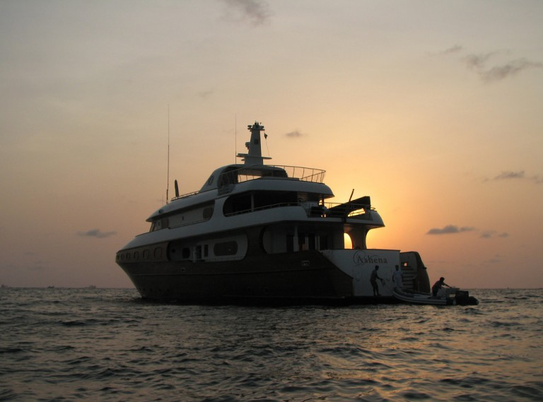 Go Luxury Yachting in Goa