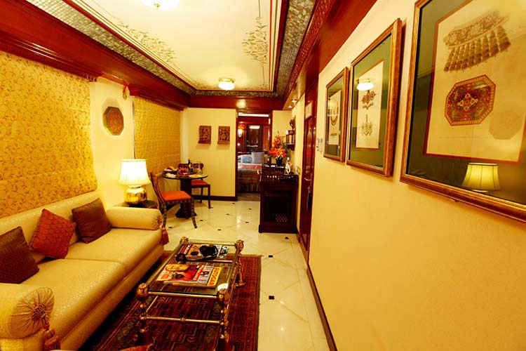 Maharajas' Express Presidential Suite photo gallery