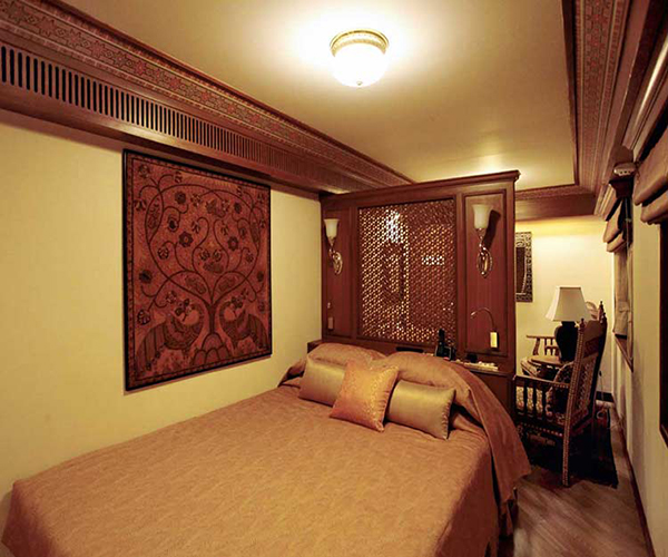 Maharajas' Express Suite Cabin images