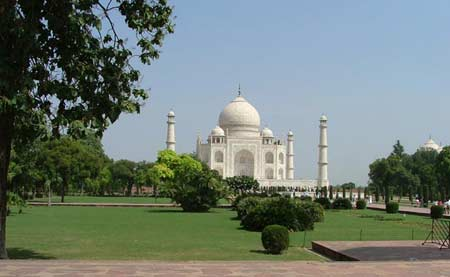 agra tour by Luxury train