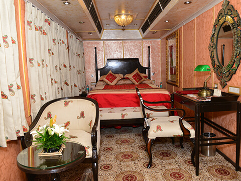 Palace on Wheels Train Fare in INR and USD