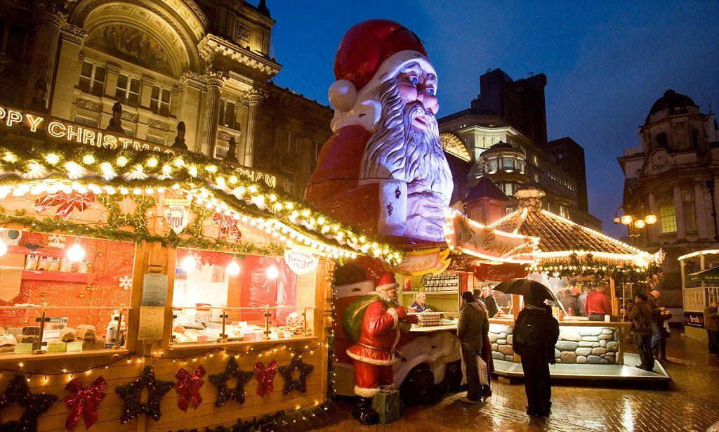15 Best Christmas Markets in the World to Explore for Shopping