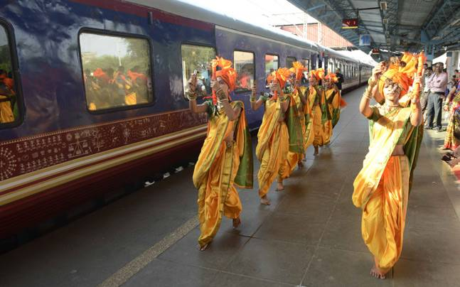 10 Interesting Facts about Deccan Odyssey Train
